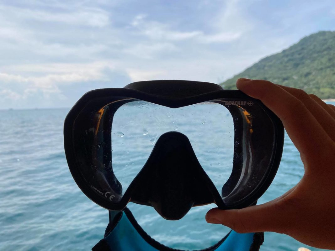 New scuba mask fogging? This Beuchat mask usually fogs.