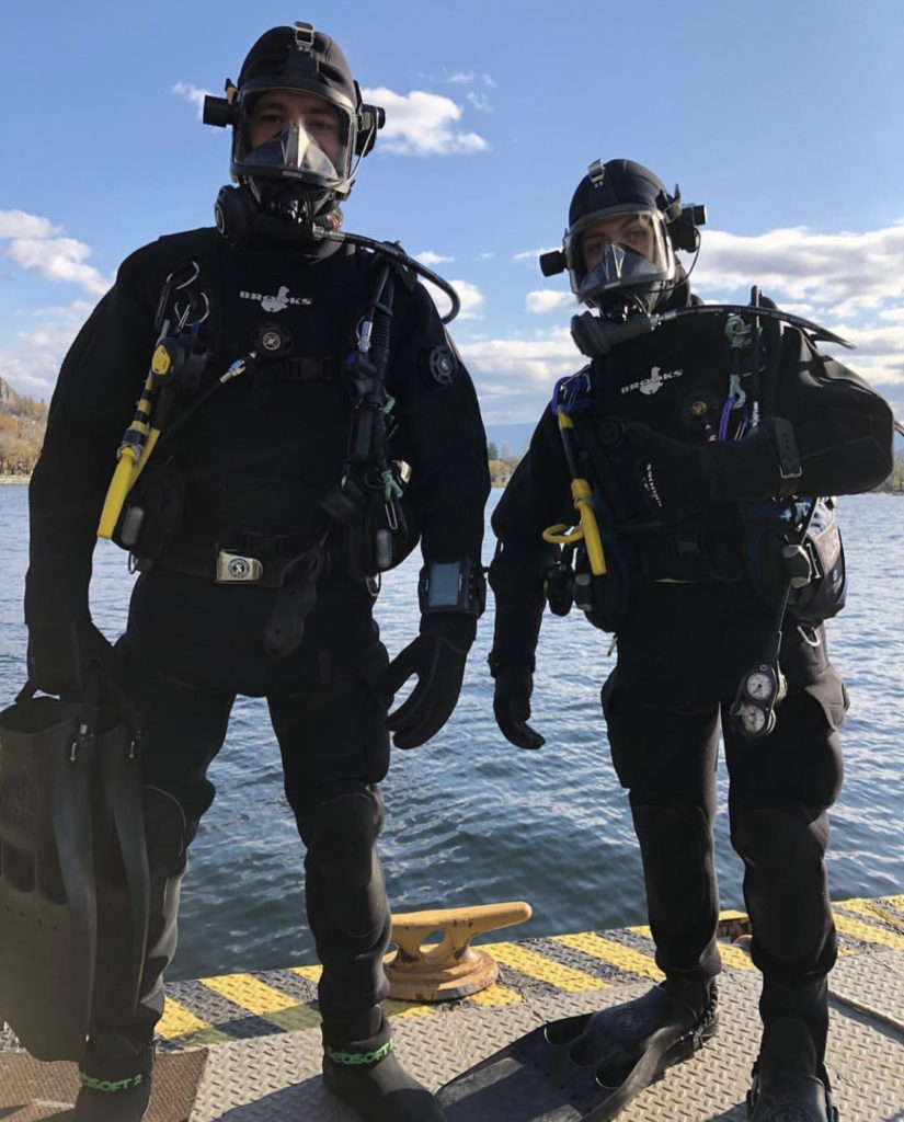 2 commercial divers ready to get into the water