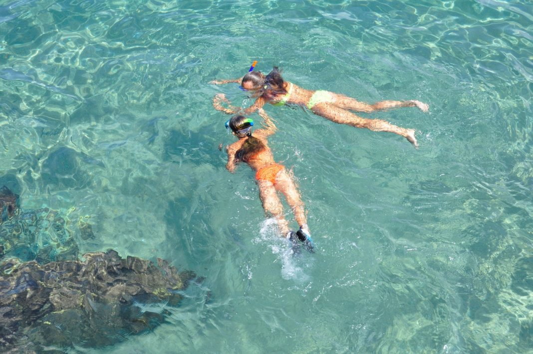 How Does A Snorkel Work?
