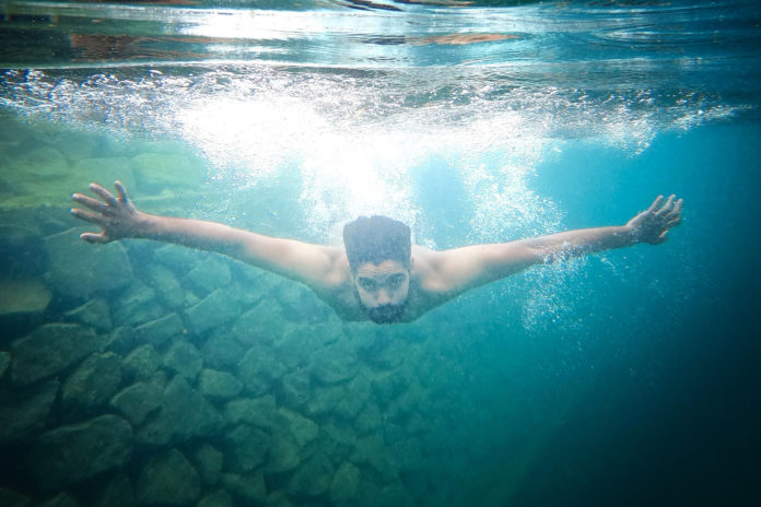Can You Open Your Eyes in the Ocean when snorkelling, scuba diving or swimming?
