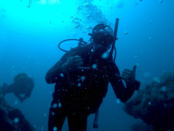 The advantages and disadvantages of a snorkel while scuba diving.