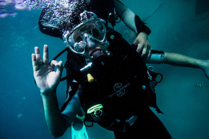What Is Nitrogen Narcosis caused by? How can I prevent it? This diver successfully recovered from mild nitrogen narcosis.