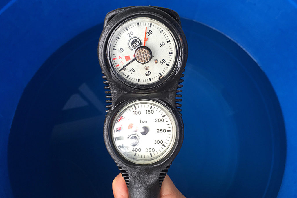 Standard Scuba Tank Submersible Pressure Gauge